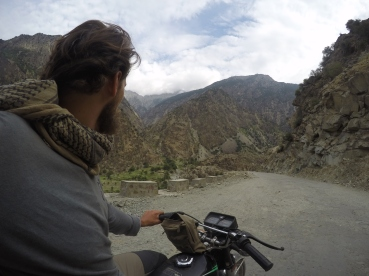 Seul dans les vertigineuses vallées pakistanaises